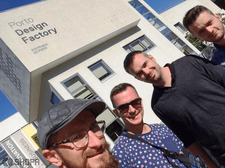 Wizyta w Porto Design Factory. Od lewej: Radek Ratajczak, Mateusz Wirwicki, Jussi Hannula oraz Filip Sieracki. • SHOPA