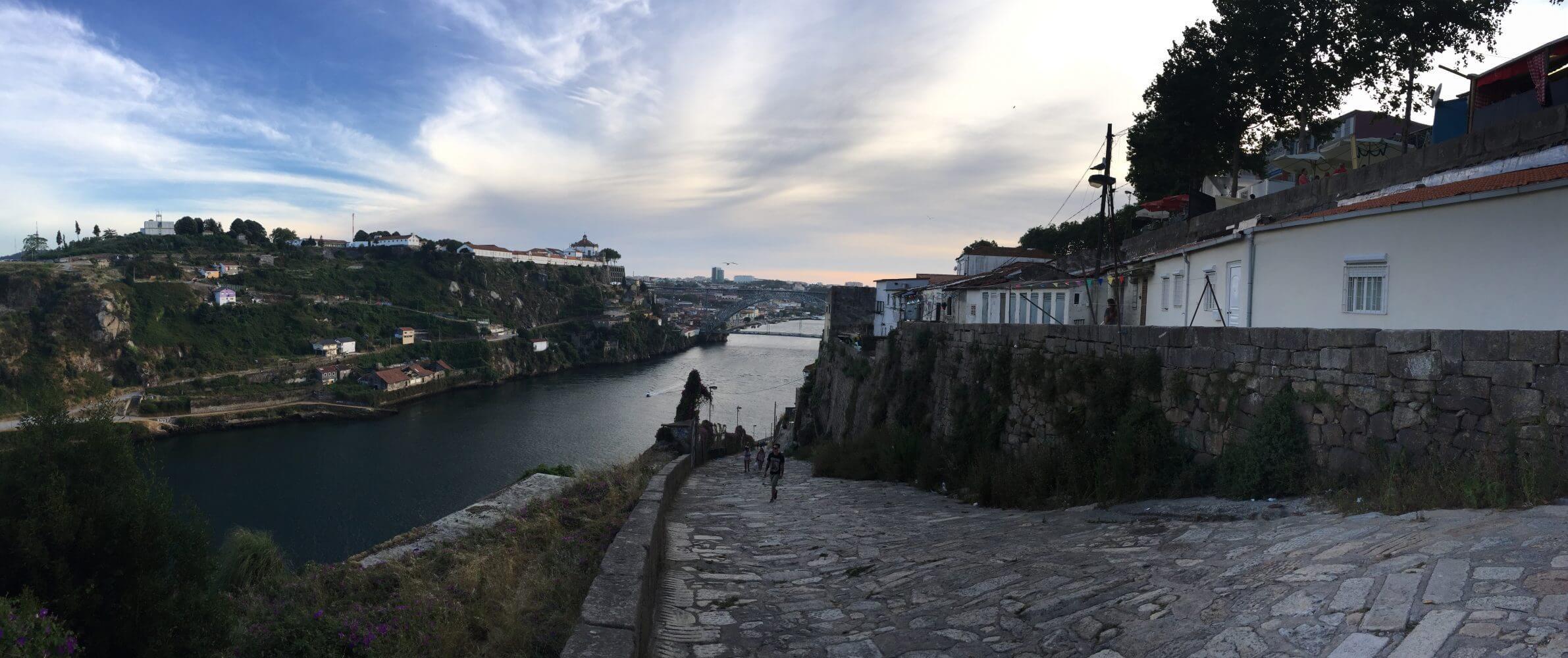 Czerwcowy widok na Porto.
