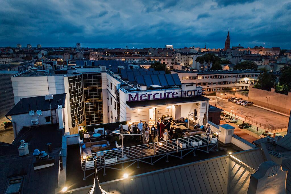 Taras na dachu hotelu Mercure w Bydgoszczy.